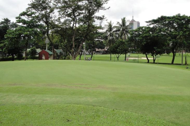 golf-course-camp-aguinaldo-manila-03